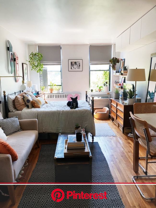 Before & After: A 350-Square-Foot Studio's Renter-Friendly Remodel Maximized Its Storage Potential   Small studio apartment decorating, Small apar