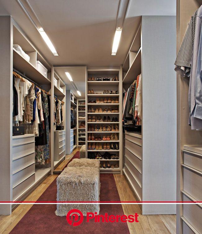ESTILO URBANO, CORAÇÃO DO INTERIOR | Decoração de casas de campo, Apartamento contemporâneo, Modelos de closet